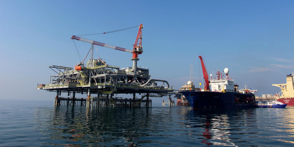 March oil exports rebound to record levels